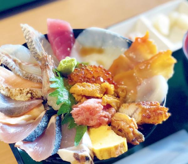 砂丘海鮮丼