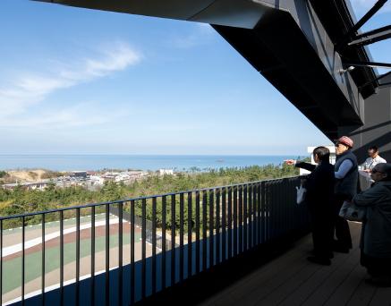 鳥取砂丘を眺望するテラス